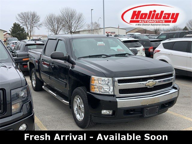 2008 Chevrolet Silverado 1500 Crew Cab 4x4, Pickup #19F188A - photo 1
