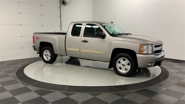 2009 Silverado 1500 Extended Cab 4x4, Pickup #19F960A - photo 32