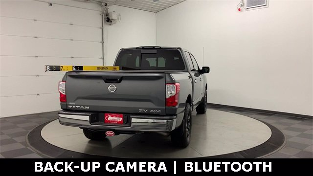 2018 Nissan Titan Crew Cab 4x4, Pickup #20F649A - photo 2