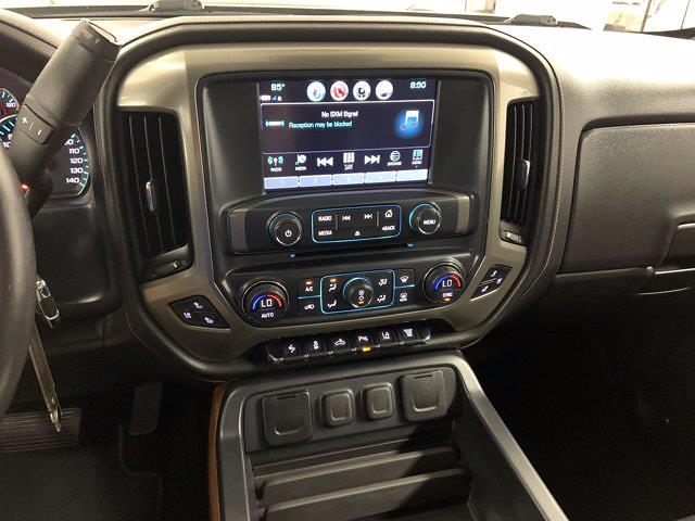 2017 Chevrolet Silverado 3500 Crew Cab 4x4, Pickup #21C440A - photo 19