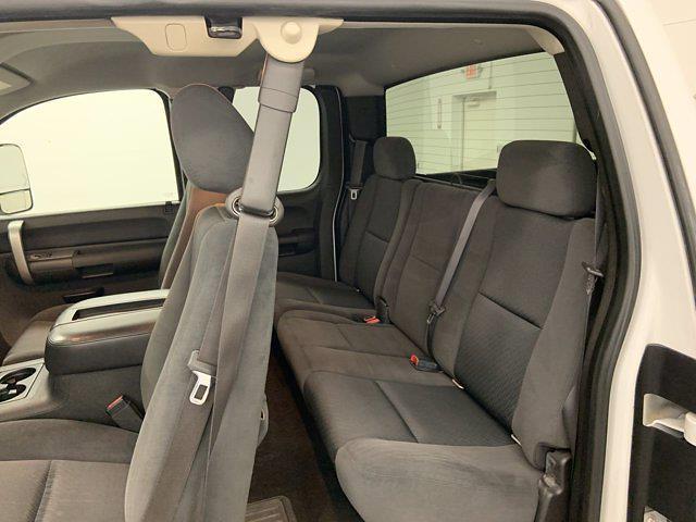 2008 Chevrolet Silverado 2500 Extended Cab 4x4, Pickup #21G753A - photo 11