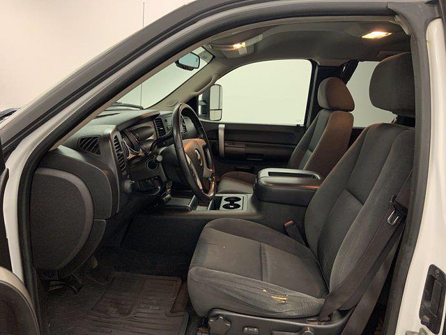 2008 Chevrolet Silverado 2500 Extended Cab 4x4, Pickup #21G753A - photo 4