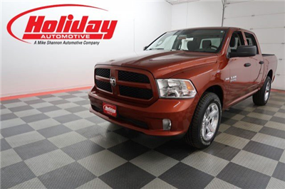 2013 Ram 1500 Crew Cab 4x4, Pickup #A6975A - photo 1