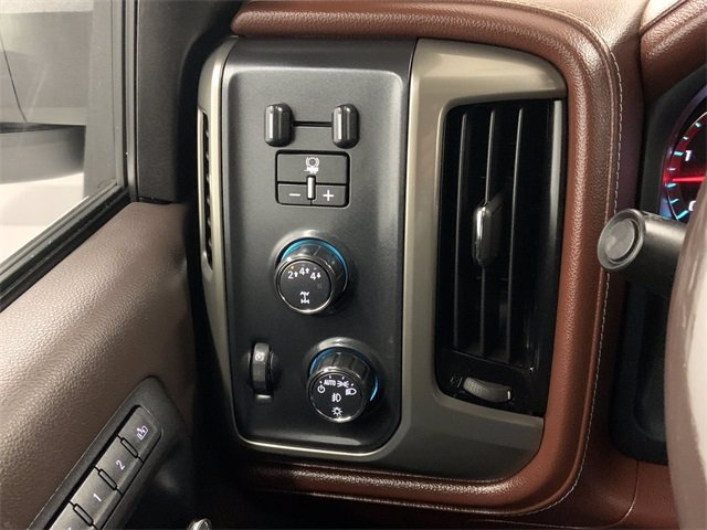 2018 Chevrolet Silverado 2500 Crew Cab 4x4, Pickup #S1005 - photo 20