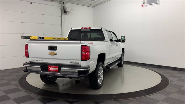 2018 Chevrolet Silverado 2500 Crew Cab 4x4, Pickup #S1005 - photo 2