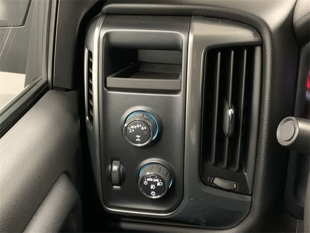 2018 Silverado 1500 Crew Cab 4x4,  Pickup #W2274 - photo 19
