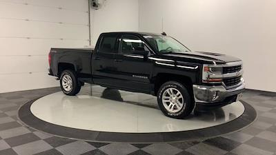 2017 Silverado 1500 Double Cab 4x4, Pickup #W2672 - photo 4