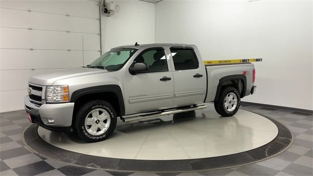 2010 Silverado 1500 Crew Cab 4x4, Pickup #W3404A - photo 3