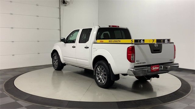 2012 Nissan Frontier Crew Cab 4x4, Pickup #W4046 - photo 4