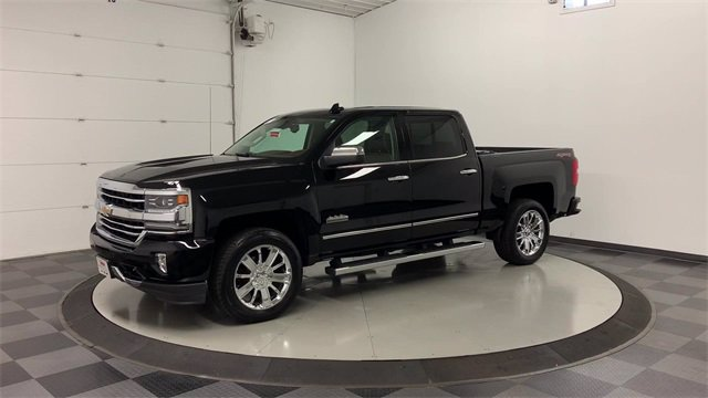 2017 Chevrolet Silverado 1500 Crew Cab 4x4, Pickup #W4058 - photo 39