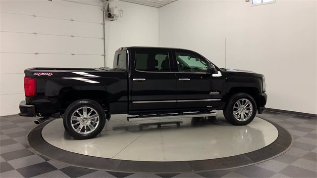 2017 Chevrolet Silverado 1500 Crew Cab 4x4, Pickup #W4058 - photo 42