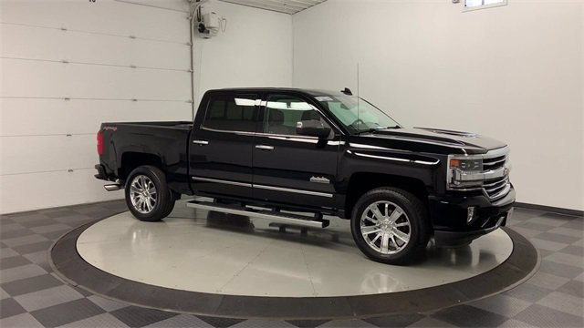 2017 Chevrolet Silverado 1500 Crew Cab 4x4, Pickup #W4058 - photo 43