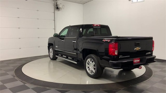 2017 Chevrolet Silverado 1500 Crew Cab 4x4, Pickup #W4058 - photo 2