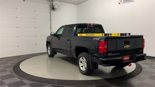 2017 Chevrolet Silverado 1500 Crew Cab 4x4, Pickup #W4290 - photo 2