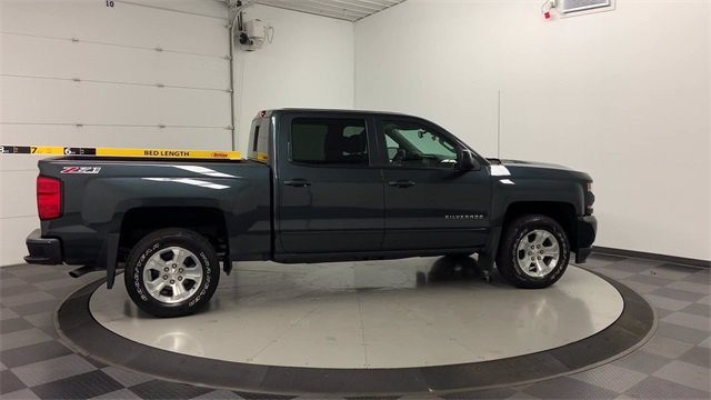 2017 Chevrolet Silverado 1500 Crew Cab 4x4, Pickup #W4290 - photo 1
