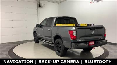 2017 Nissan Titan Crew Cab 4x4, Pickup #W4575 - photo 4
