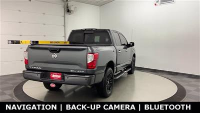 2017 Nissan Titan Crew Cab 4x4, Pickup #W4575 - photo 2