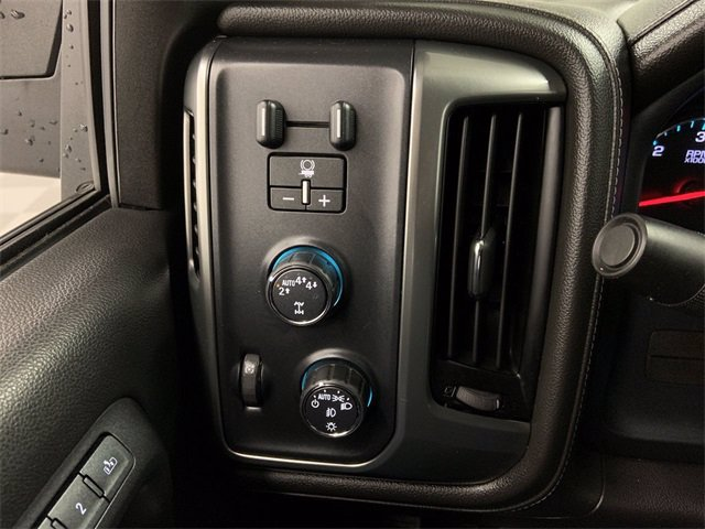 2018 Chevrolet Silverado 1500 Double Cab 4x4, Pickup #W4611 - photo 18