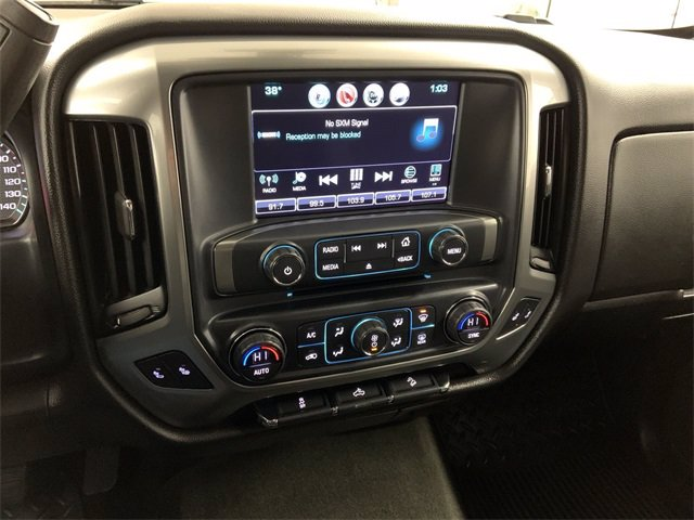 2017 Chevrolet Silverado 1500 Crew Cab 4x4, Pickup #W4875 - photo 18