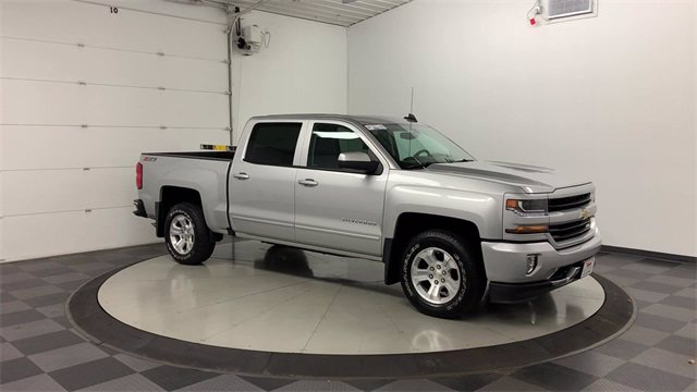 2017 Chevrolet Silverado 1500 Crew Cab 4x4, Pickup #W4875 - photo 33