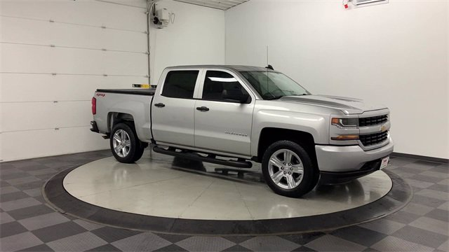 2018 Chevrolet Silverado 1500 Crew Cab 4x4, Pickup #W4898 - photo 32