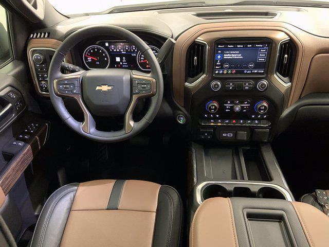 2020 Chevrolet Silverado 1500 Crew Cab 4x4, Pickup #W6298 - photo 16