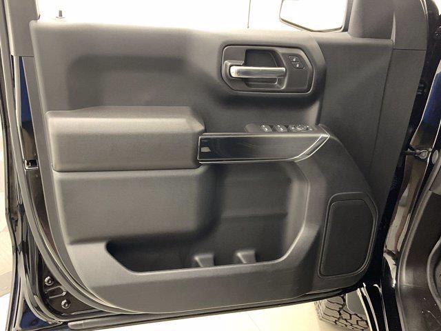 2021 Chevrolet Silverado 1500 Crew Cab 4x4, Pickup #W6357 - photo 4