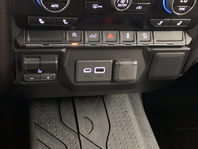 2019 Chevrolet Silverado 1500 Crew Cab 4x4, Pickup #W6436 - photo 24