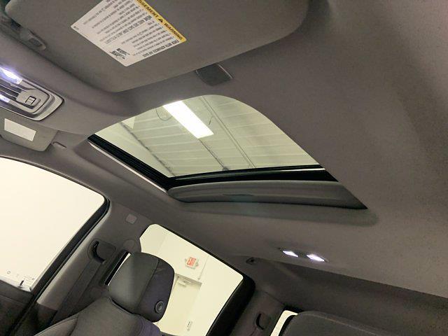 2019 Chevrolet Silverado 1500 Crew Cab 4x4, Pickup #W6581 - photo 7