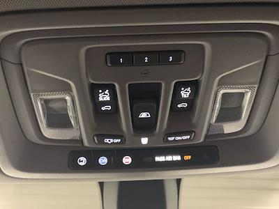 2019 Chevrolet Silverado 1500 Crew Cab 4x4, Pickup #W6624 - photo 28