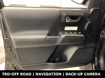 2018 Toyota Tacoma Double Cab 4x4, Pickup #W6672 - photo 5