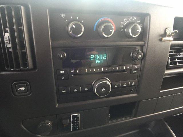 2009 Savana 3500 4x2,  Cutaway Van #16C810A - photo 12