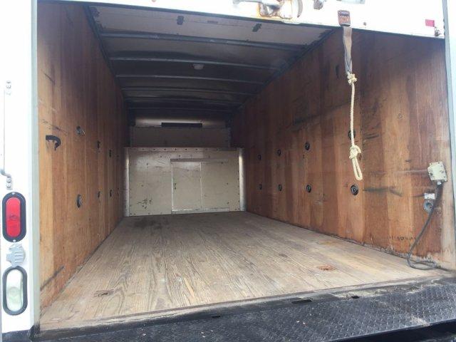 2009 Savana 3500 4x2,  Cutaway Van #16C810A - photo 2