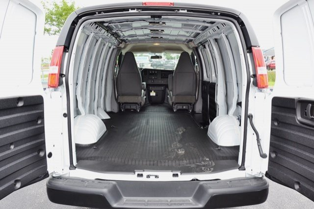 2017 Savana 2500 Cargo Van #17G1061 - photo 2