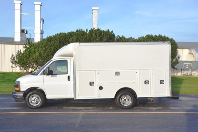 2017 Savana 3500, Service Utility Van #17G1141 - photo 4