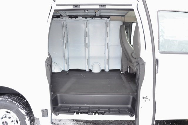 2017 Savana 2500, Cargo Van #17G750 - photo 12