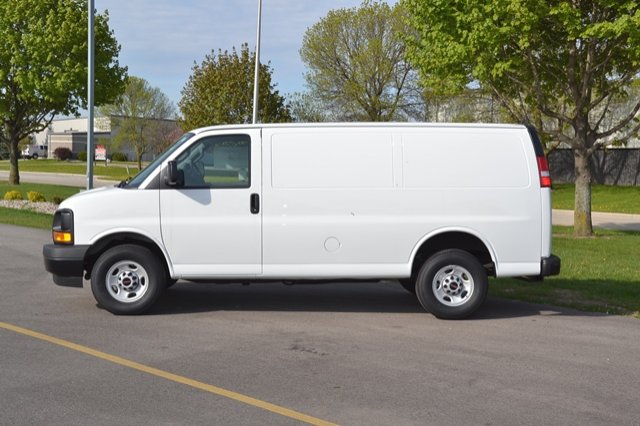 2017 Savana 2500, Cargo Van #17G779 - photo 17