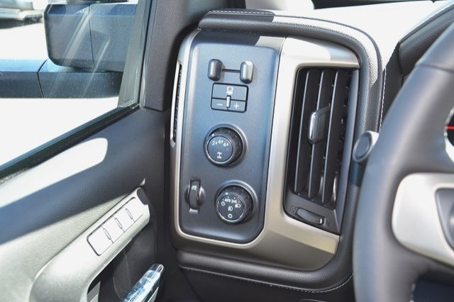 2017 Sierra 3500 Crew Cab 4x4, Pickup #17G876 - photo 21