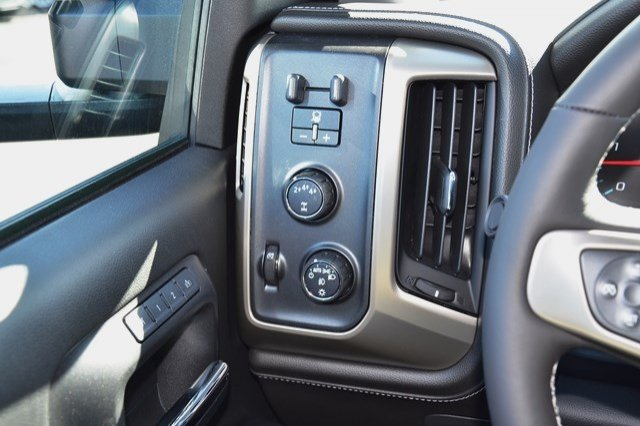 2017 Sierra 3500 Crew Cab 4x4, Pickup #17G879 - photo 21