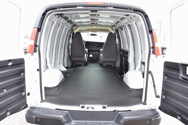 2018 Savana 2500, Cargo Van #18G610 - photo 2