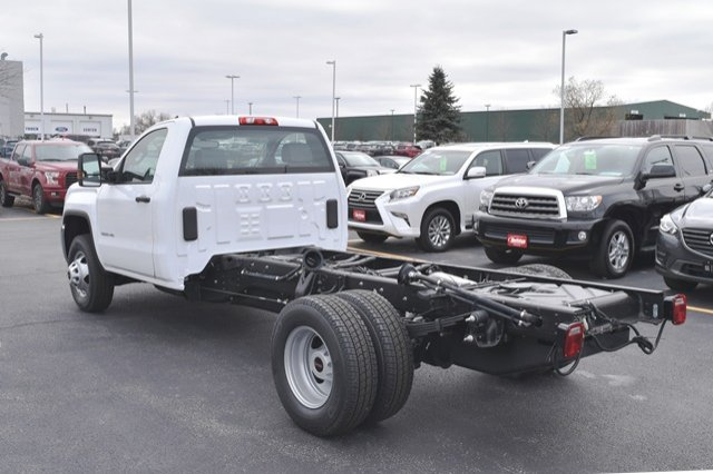 2019 Sierra 3500 Regular Cab DRW 4x4,  Cab Chassis #19G104 - photo 2