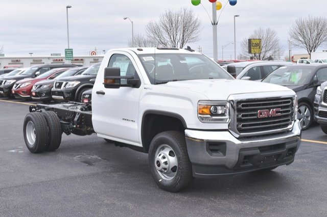 2019 Sierra 3500 Regular Cab DRW 4x4,  Cab Chassis #19G104 - photo 8