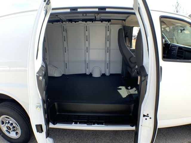 2019 Savana 2500 4x2,  Empty Cargo Van #19G327 - photo 20