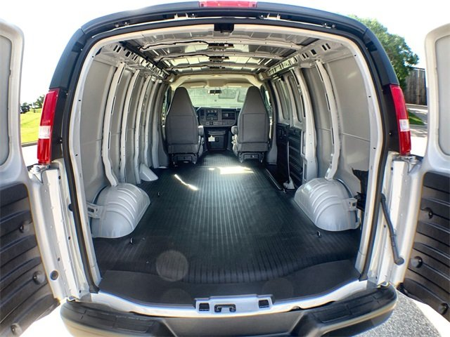2019 Savana 2500 4x2,  Empty Cargo Van #19G452 - photo 2