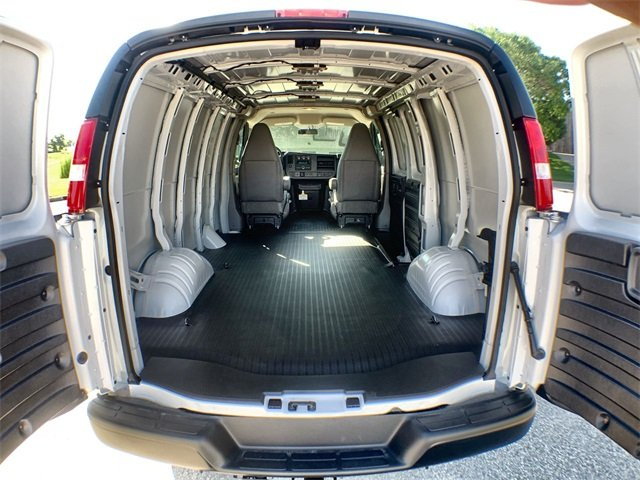 2019 Savana 2500 4x2,  Empty Cargo Van #19G465 - photo 1