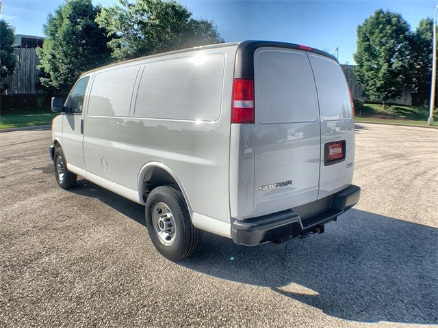 2019 Savana 2500 4x2,  Empty Cargo Van #19G465 - photo 3