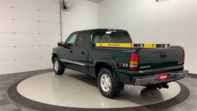 2005 GMC Sierra 1500 Crew Cab 4x4, Pickup #21M32B - photo 3