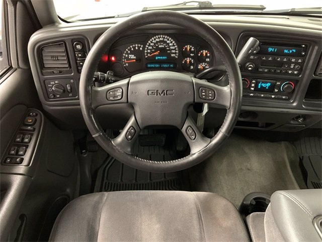 2005 GMC Sierra 1500 Crew Cab 4x4, Pickup #21M32B - photo 11