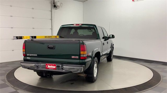 2005 GMC Sierra 1500 Crew Cab 4x4, Pickup #21M32B - photo 2