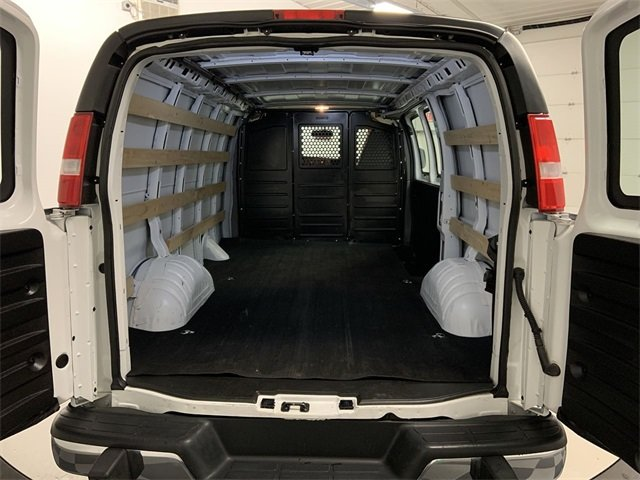 2018 Savana 2500 4x2, Empty Cargo Van #W3339 - photo 2